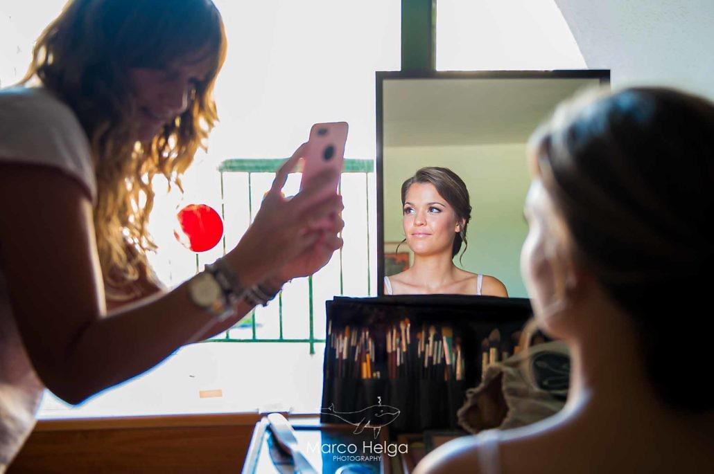 Boda en Hotel Pino Alto Novia Maquillandose