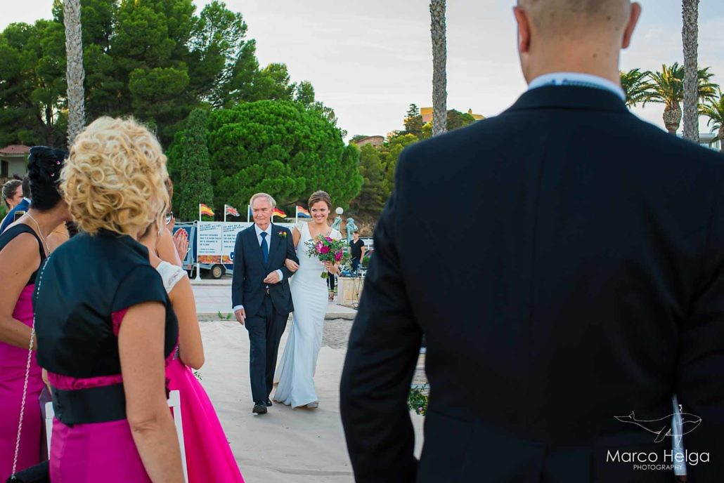 Boda en Playa Cristal entrada a la ceremonia